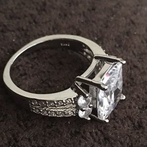 Jewelry - Beautiful Ring